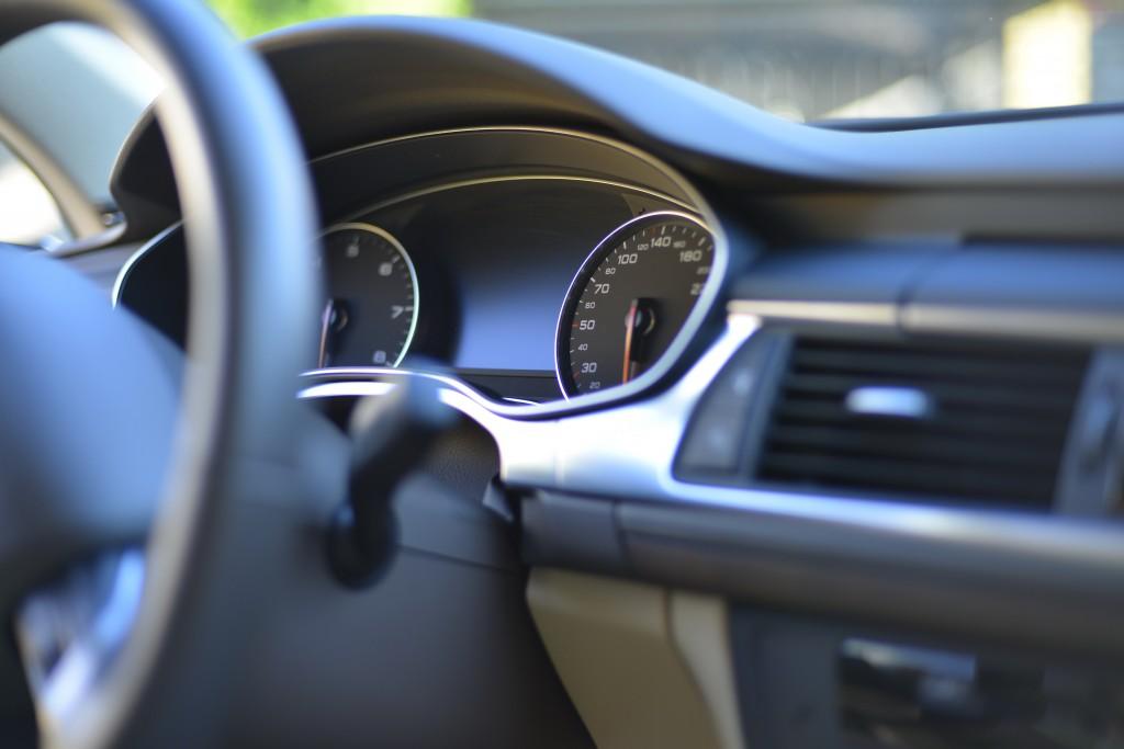 車やバイクの鍵を紛失したときの対処法と開け方