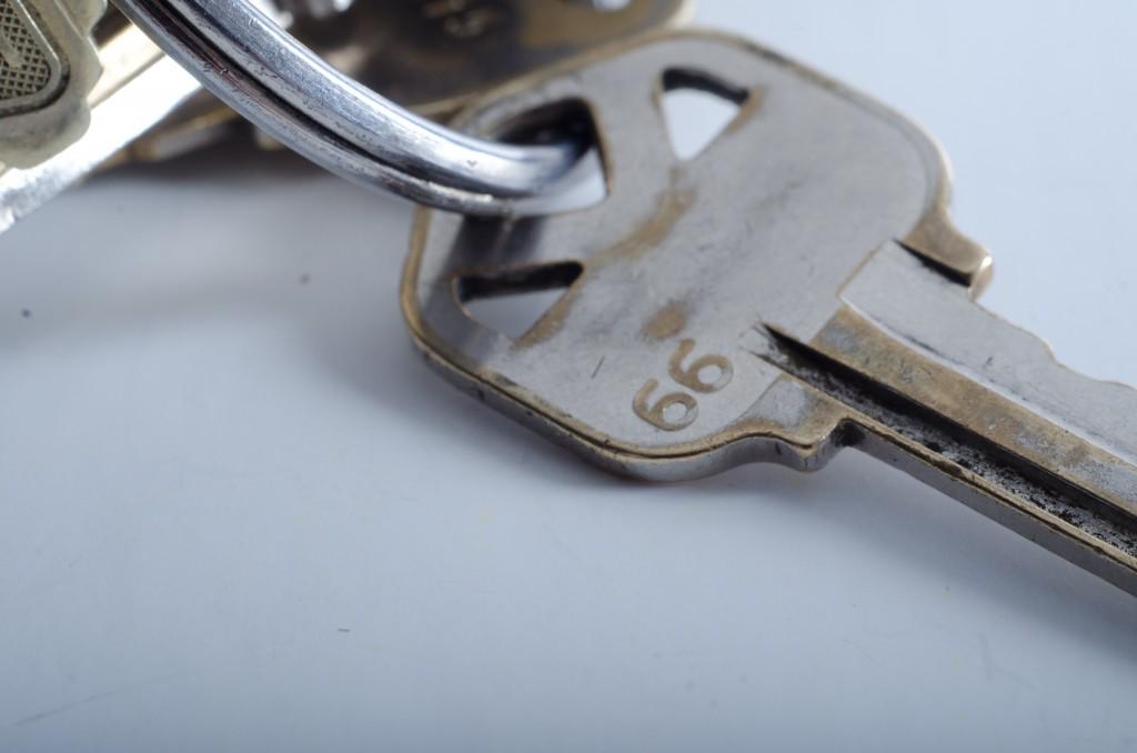 空き巣や泥棒の防犯対策に鍵を強化!どんな方法があるの?