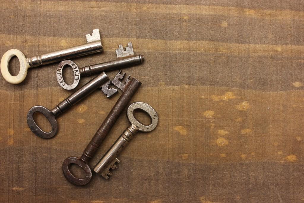 鍵が曲がったり、壊れてしまったときの対処法と開け方