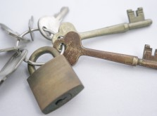 南京錠の鍵を紛失した時の開け方